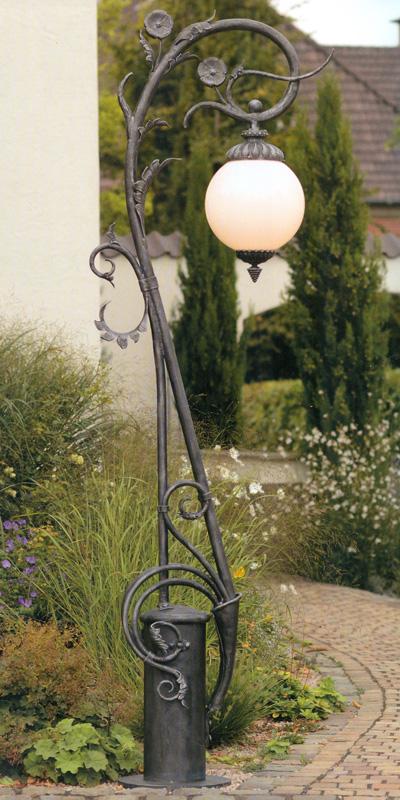 art nouveau wrought iron post light al 6647 terra lumi. Black Bedroom Furniture Sets. Home Design Ideas