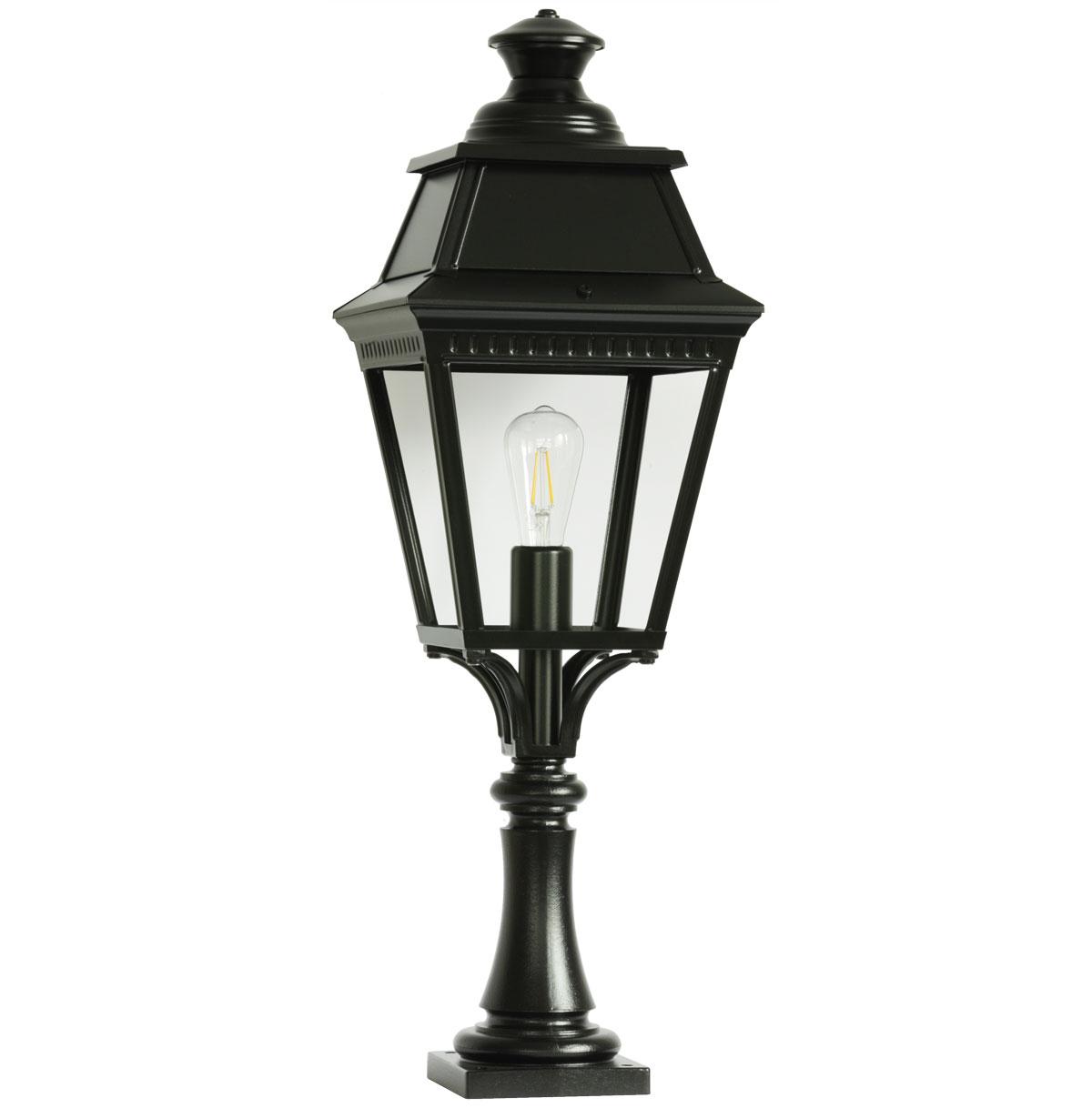 Traditional Pedestal Light Avenue 3 Terra Lumi