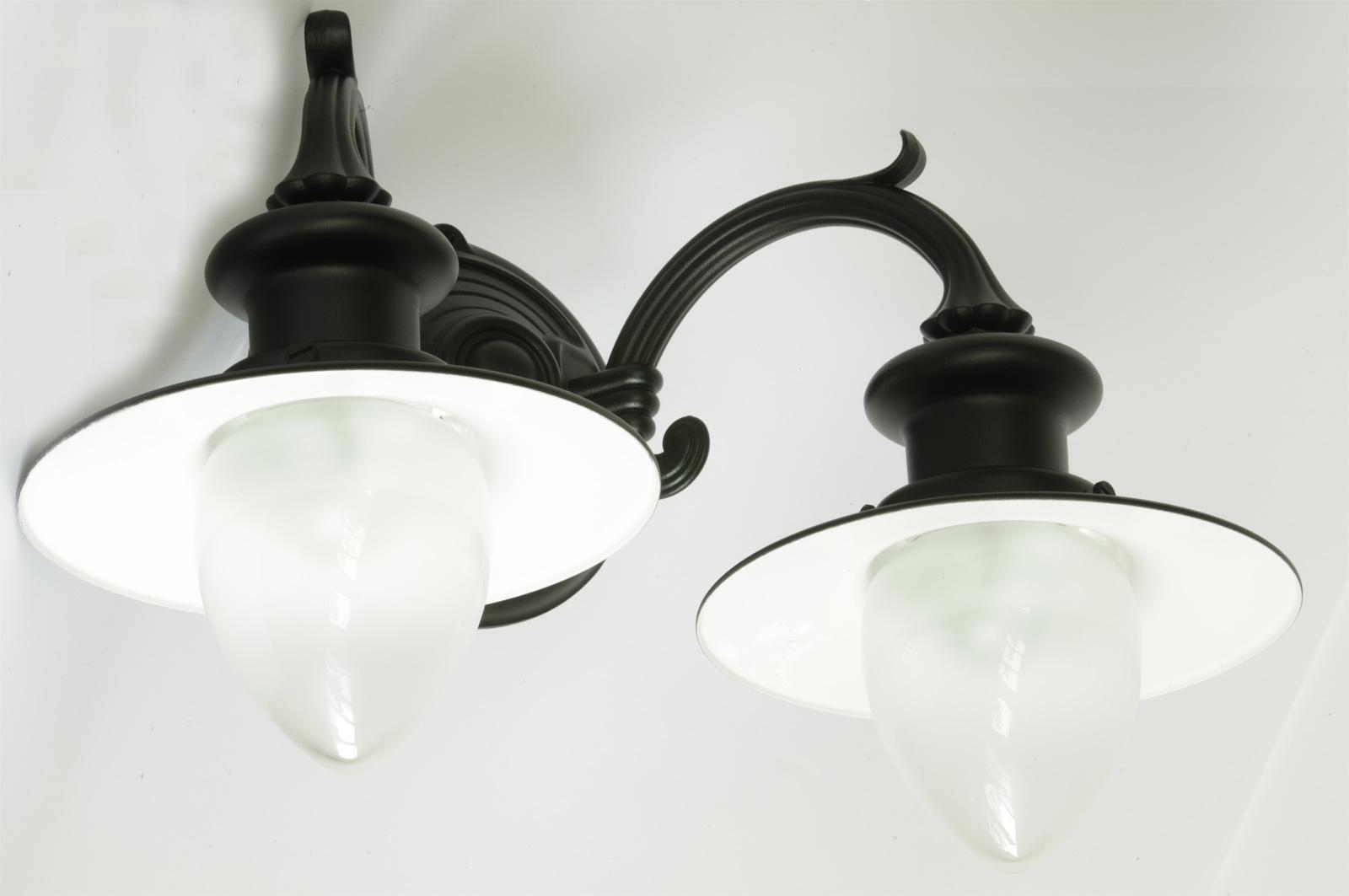 Zweiflammige wandlampe f r au en mit spitzzylindern terra lumi - Aussen wandlampe ...